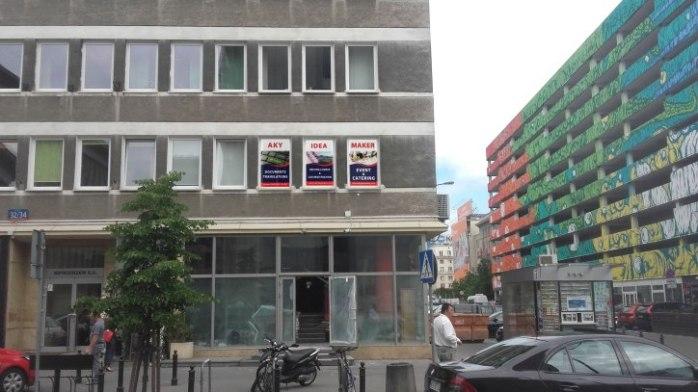 aky-idea-maker-office-entrance-side.jpg